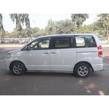 Toyota X Noah 2004
